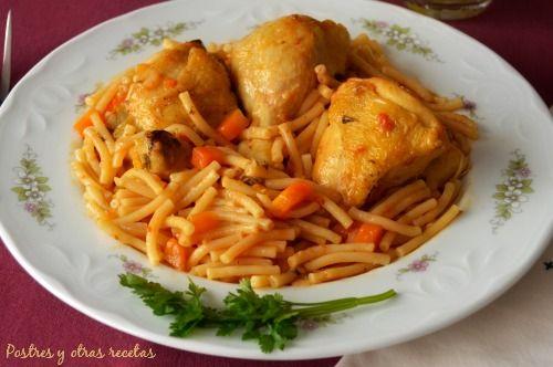 Pollo con fideos. Una receta clásica y deliciosa. postresyotrasrecetas.blogspot.com