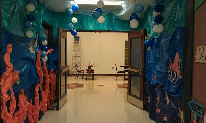 Ocean Unit Hallway- take out the balloons, but add coral or sea weed?