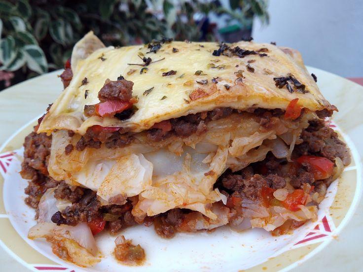 INGREDIENTES : 1 repollo mediano/ 1/2 kilo de carne picada / media cebolla / medio pimiento verde / sal / pizca de pimienta ...