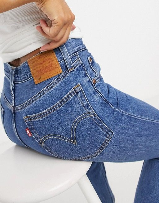 levis ndash 501 ndash kurz geschnittene jeans in blau asos in 2021