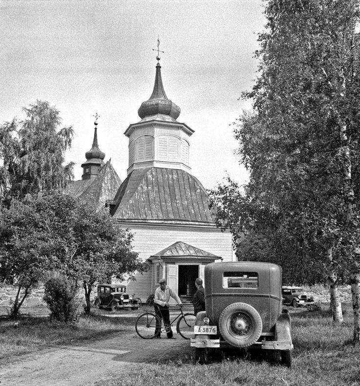 Black and White Photos of Daily Life in Finland in 1941 - church, cars, bicycle - Finnish
