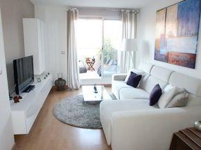 Inspiración para decorar salones pequeños #hogar #decoración #salón #pequeño #blanco #gris #alfombra www.hogardiez.com.es