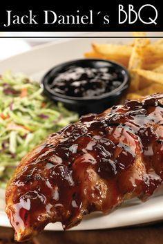La salsa Jack Daniel´s es una famosa salsa Americana, con sabor agridulce y exquisita para combinar con carnes o hamburguesas, es común verla en los platos de los restaurantes Tony Roma´s y TGI friday.