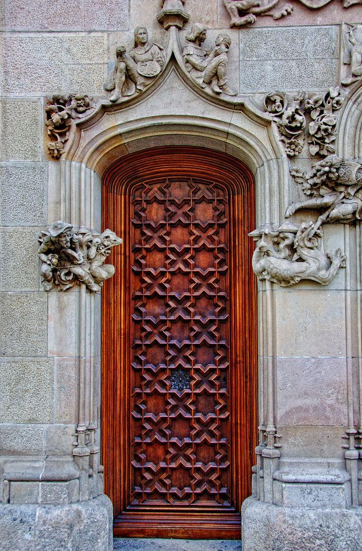 Puerta, casa Amatller - beautiful pattern