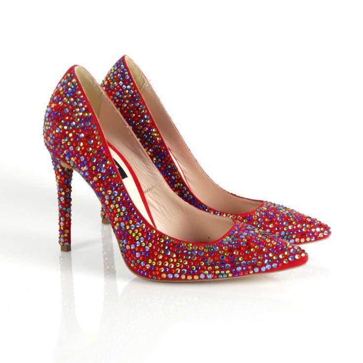 Pantofi de dama Mineli Crystalsunt realizați din piele naturală camoscio stilizată cu cristale multicolore. Această piesă statement completează perfect o ținută de ocazie pentru evenimentele speciale din viața dumneavoastră.