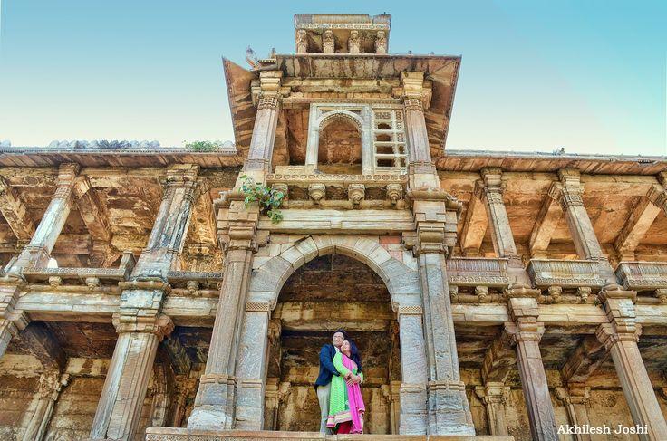 🎀 Photo by Akhilesh Joshi, Rajkot #weddingnet #wedding #india #indian #indianwedding #weddingdresses #lehengasaree #saree #bridalsaree #weddingsaree #indianweddingoutfits #outfits #couple #sky #mountains #catched