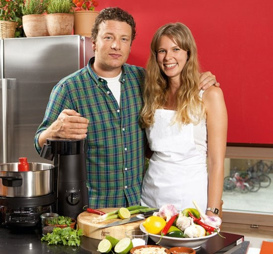 Jamie and Fabulous' Kate whip up some Turkey Twizzlers. Or not…