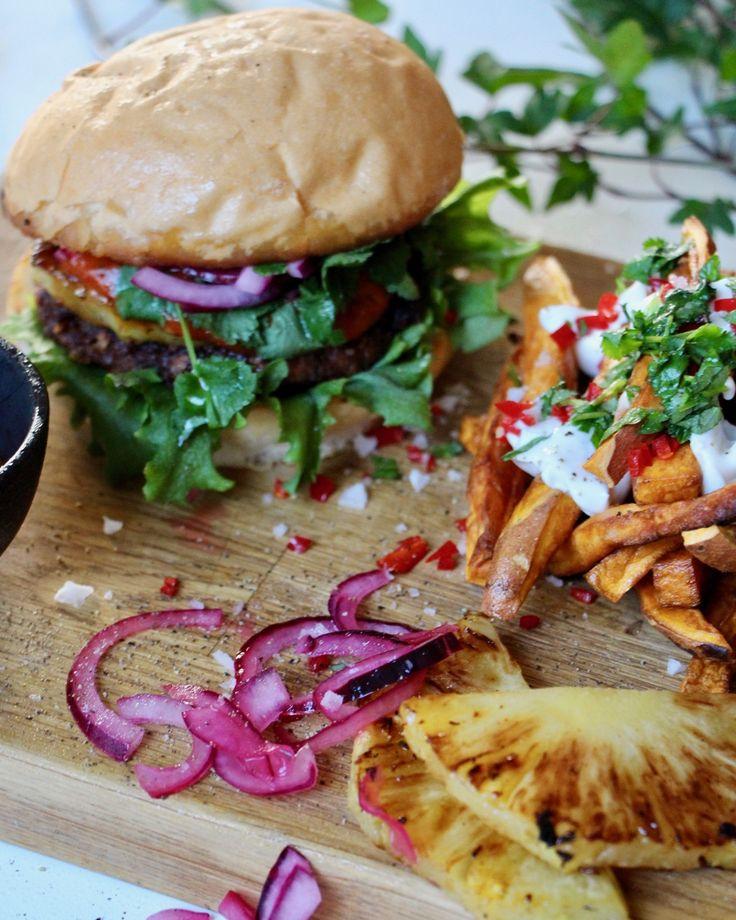 Karibiska veganburgare – Jävligt Gott Festivalkäk med Bråvallafestivalen | Jävligt gott - vegetarisk mat och vegetariska recept för alla, lagad enkelt och jävligt gott.