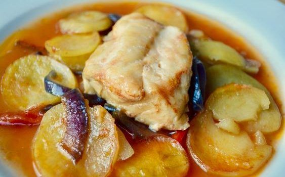 Ψάρι πλακί με λαχανικά στο φούρνο