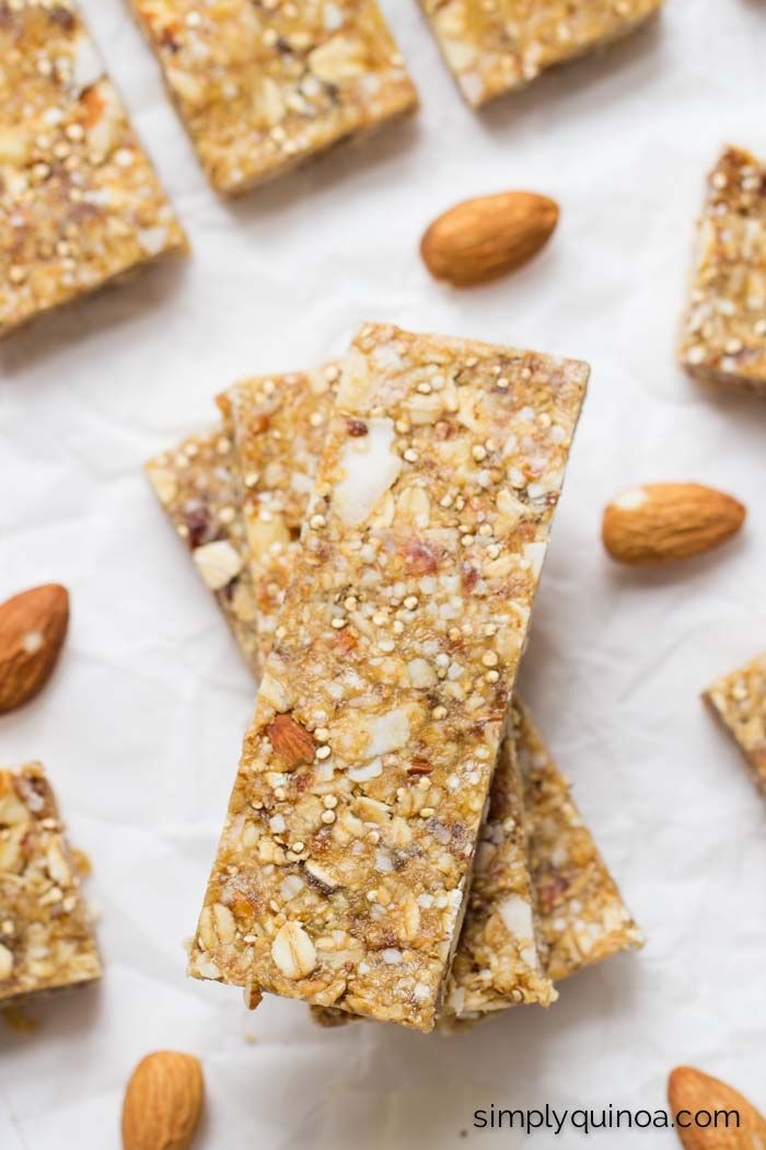 Almond + Coconut Quinoa Granola Bars // a healthy, on-the-go snack that will fill you up!