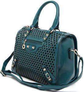 http://www.cgshop10.com/2014/02/Women-Bags-and-Clutches.html