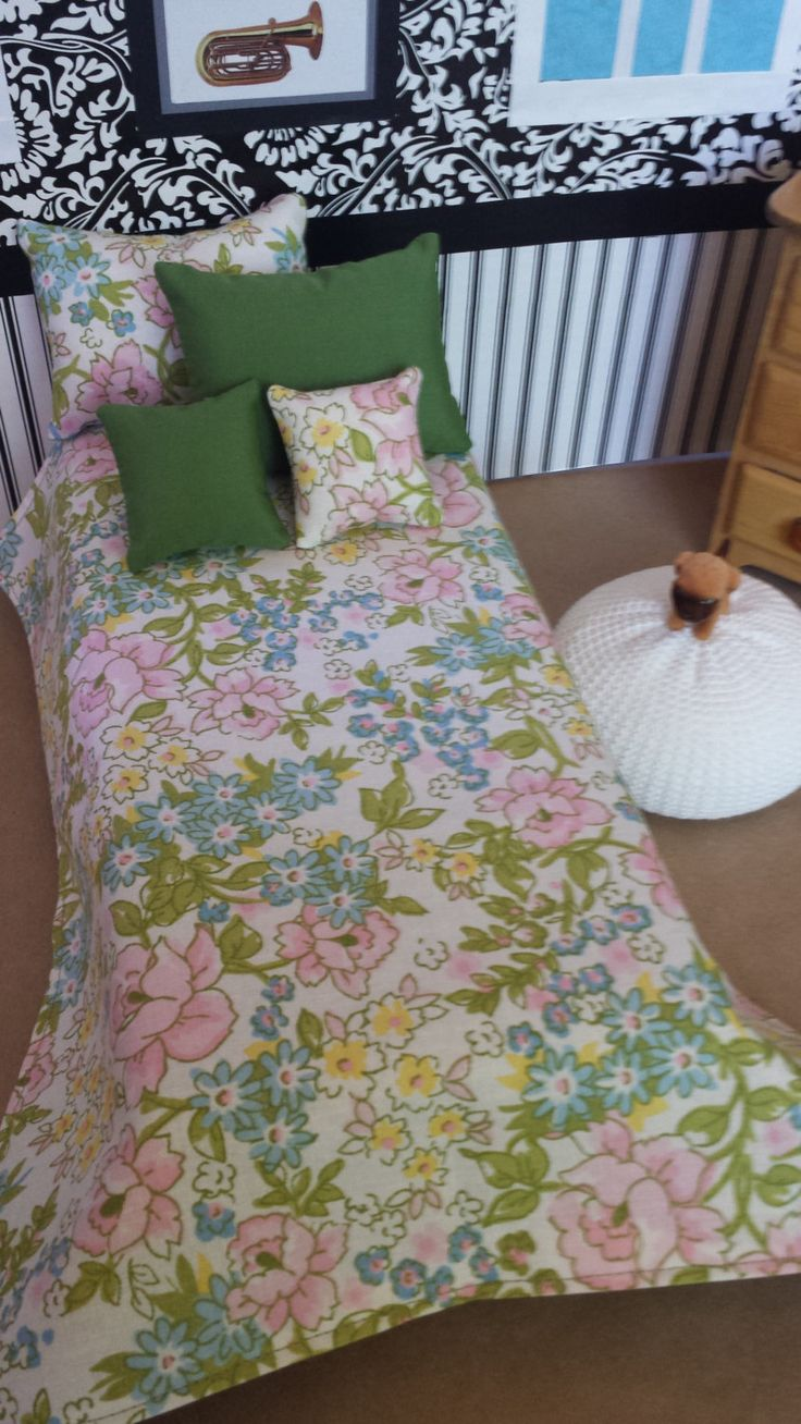 Vintage superhero bedding - Sweet Vintage Bedding Set Reminiscent Of The 1960s Great For Vintage Fashion Dolls By