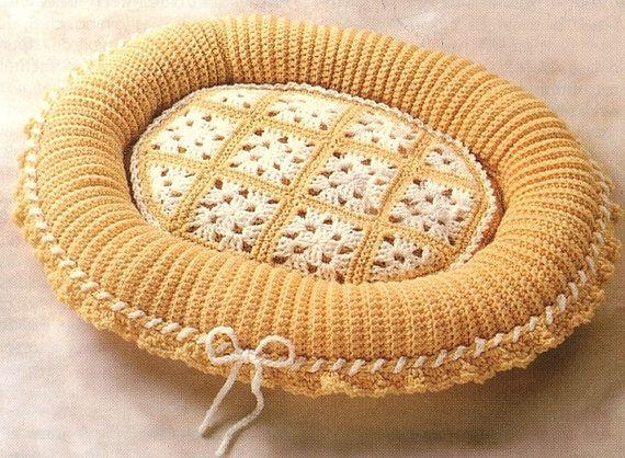Granny square cat bed crochet pattern