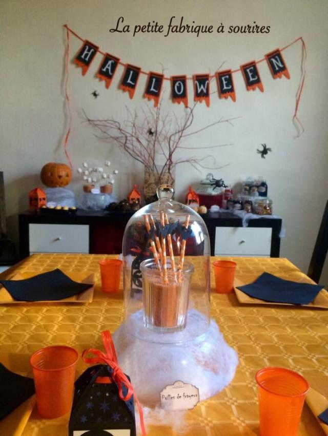 Sweet table Halloween 2015 ©Lapetitefabriqueasourires Candy bar et décoration d'halloween  #Bannière, #citrouille, #chamallow #fantômes #squelette, #potions, #araignée #halloween #guirlande #horreur #banniere  #decoration #decorationtable #jolietable #orange #noir #blanc #fontburton #diy #papier #madeinfrance #faitmain #creation #creatrice #alm #alittlemarket #sweettable #candybar #buffet #alm #alittlemarket #lapetitefabriqueasourires #trickortreat #chauvesouris