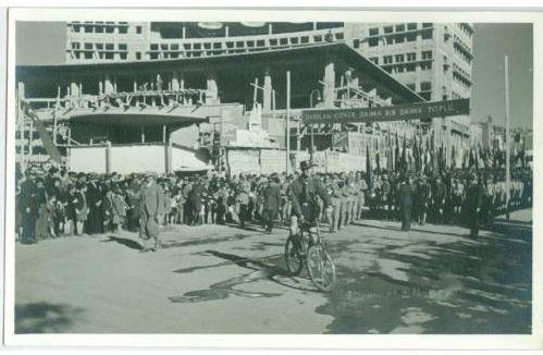 Ankara Ulus Meydanı'nda Bir Tören (1940)-SE