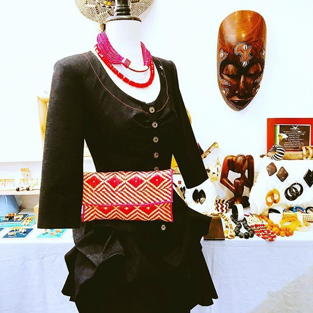 La boutique des créateurs de Espace Créateurs Sainte Opportune - Métro Châtelet à Paris 01, vous accueille également ce week-end jusqu'à 22h30 ! Venez y retrouver les bijoux, vêtements, sacs... de Créateurs d'art pour offrir et se faire plaisir !!❤️❤️ #boutiquedescréateurs #artisansdart #createurs #bijoux (#popupstore) #Chatelet #paris01 #statementpiece #ecojewelry - by #kisqueyanaturebijoux #handmadejewelry #buffalohornjewelry #bohemian #bohemianstyle #designer #jewelrydesigner…