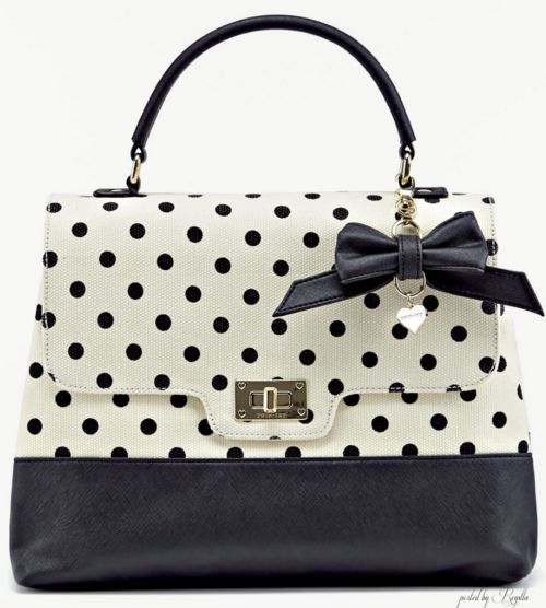 You are seeing, elegant, polka dots, before your very eyes!!!