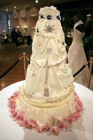 world s most extravagant wedding cakes 137 best extravagant wedding cakes images on 27637