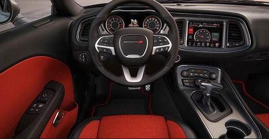 2017 Dodge Barracuda Cabin Features