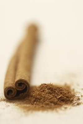 What Are the Benefits of Real Cinnamon vs. Fake Cinnamon? Both types R antibacterial and antifungal BUT cassia cinnamon to a lesser extent than Ceylon Cinnamon