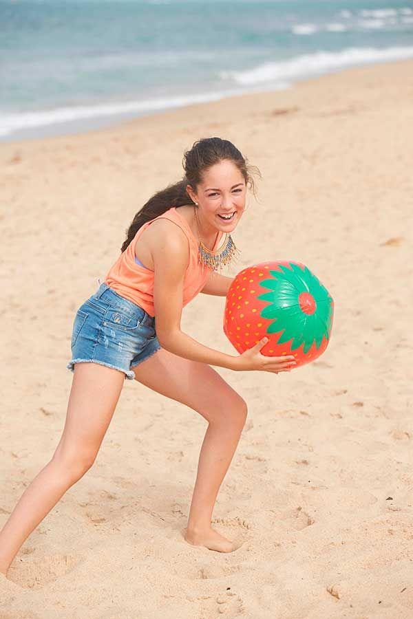 Hace un mes estuvimos con María Parrado en la playa. En CT88 tienes un repor ¡de lo más completo! Pero te dejamos con las fotos más díver de la sesión