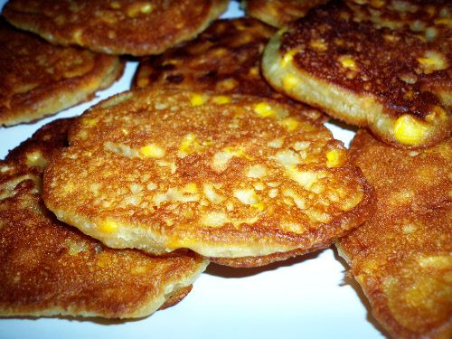 Vegan Sweet Corn Fritters :http://sweetlyradiant.com/vegan-sweet-corn-fritters/