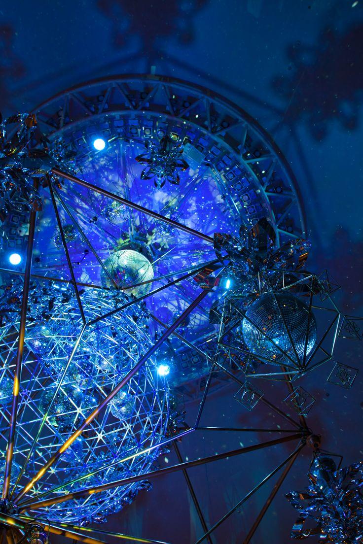 Mirrorbowlerディレクションによるクリスマスデコレーション。 昨年の作品「Harvest of Joy」からさらに進化を遂げた今回の作品。植栽を担当。