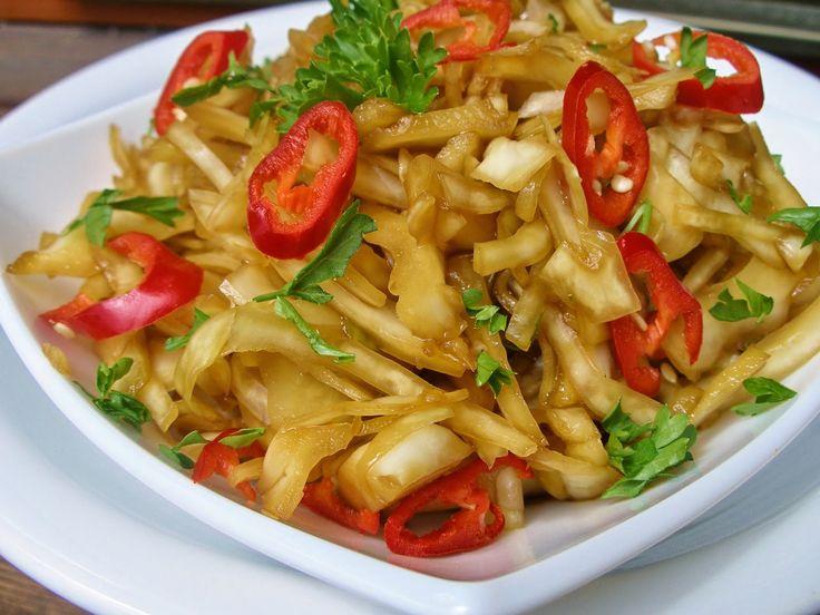 V kuchyni vždy otevřeno ...: Asijský pikantní zelný salát