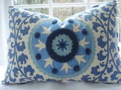 mediterranean decorative pillows--not to use in the bathroom, but the pattern and colors are perfect.