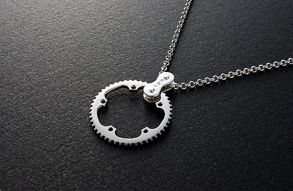 CHAIN RING Necklace TYPE 1.    Would love to have one of this around my neck!