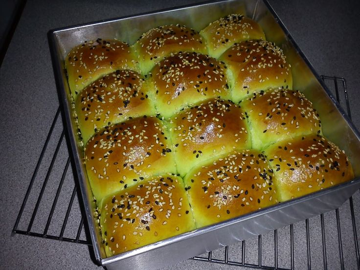 Today, I baked these buns using the recipe from this month's selected cookbook.  I made only half portion of the original recipe cos' my ...