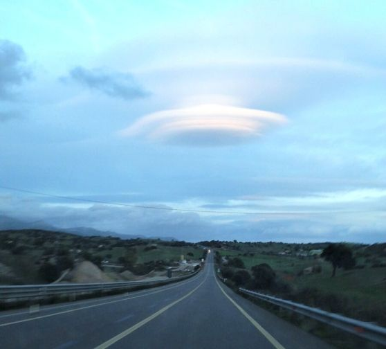 Nuvole lenticolari sulla Olbia-Sassari