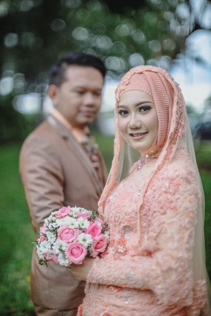 Diah & Maulana Post Wedding oleh LAKSMI - Kebaya Muslimah & Islamic Wedding Service • Gaun pengiring pengantin | Bridal | Bridestory di Indonesia | Bridestory
