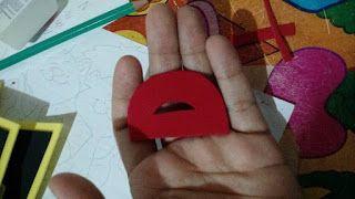 Mundo infantil 2º ano: Lembrancinha de volta as aulas- Chaveirinho com inicial do nome