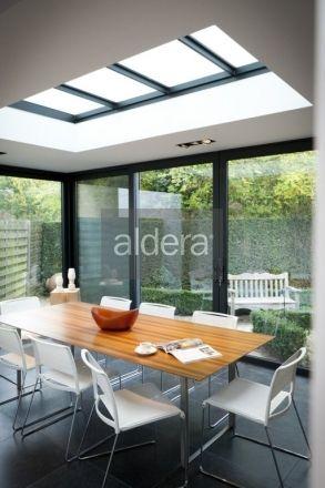 Aluminium profielen veranda – strakke veranda Moderne tuinkamer met strakke lichtstraat