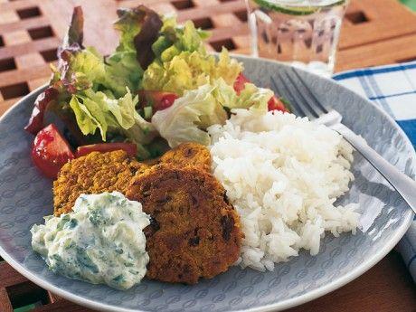 Kikärtsbiffar med curry och tsatsiki