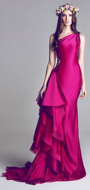 HAMDA AL FAHIM. #Color WOW! #Reception Dress Options / Aisle Perfect