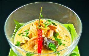 Zuppa di pollo al latte di cocco (Tom Ka)