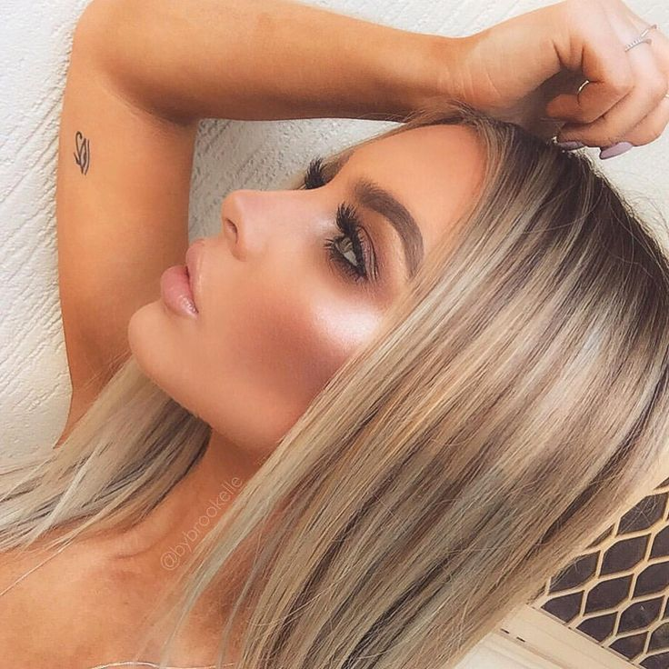 Had my hair done yesterday getting prepared for Summer! I am obsessed   @anastasiabeverlyhills Starlight and So Hollywood  Hair: @illumehairboutique