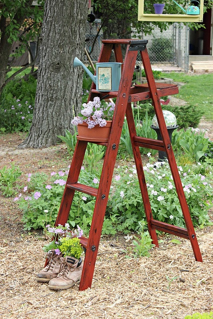 Antique wooden plant stand woodworking projects plans - Ladder plant stand plans free ...