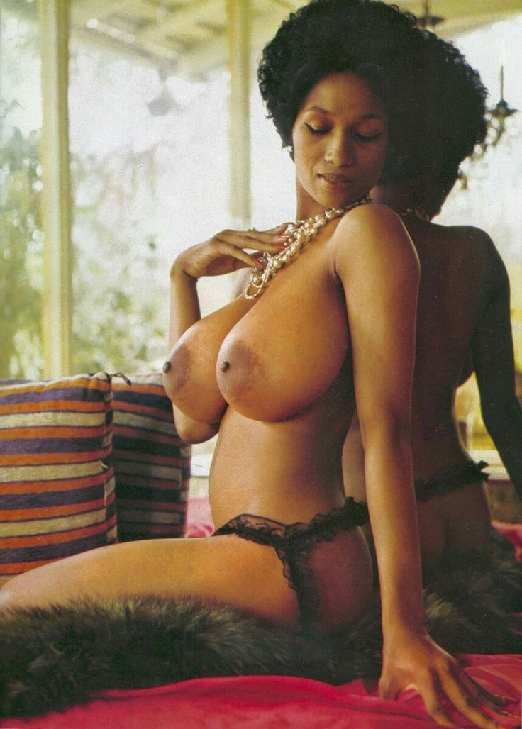 Retro ebony nude arab babes