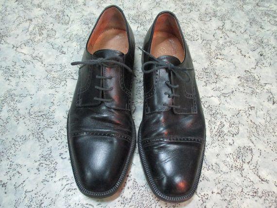 Guarda questo articolo nel mio negozio Etsy https://www.etsy.com/listing/261615697/scarpe-nere-da-uomo-con-stringhe-vero
