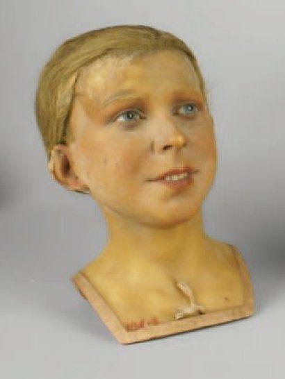 pierre imans buste de mannequin de jeune homme souriant. Black Bedroom Furniture Sets. Home Design Ideas