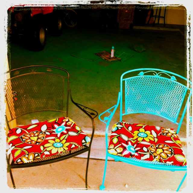 Metal chairs & table: used Valspar gloss spray paint in turquoise from Lowes; chair cushions from Garden Ridge $14.99 each. Total cost about $80.