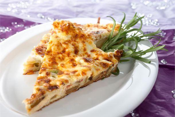 Perunamunakas ✦ Tortilla de patatas eli perunamunakas on tyypillinen espanjalainen tapasherkku. http://www.valio.fi/reseptit/perunamunakas/