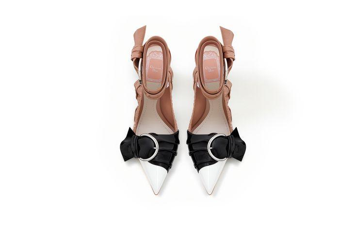Scarpa décolleté in pelle di vitello verniciata bianca/nera/fard, 10 cm - Dior