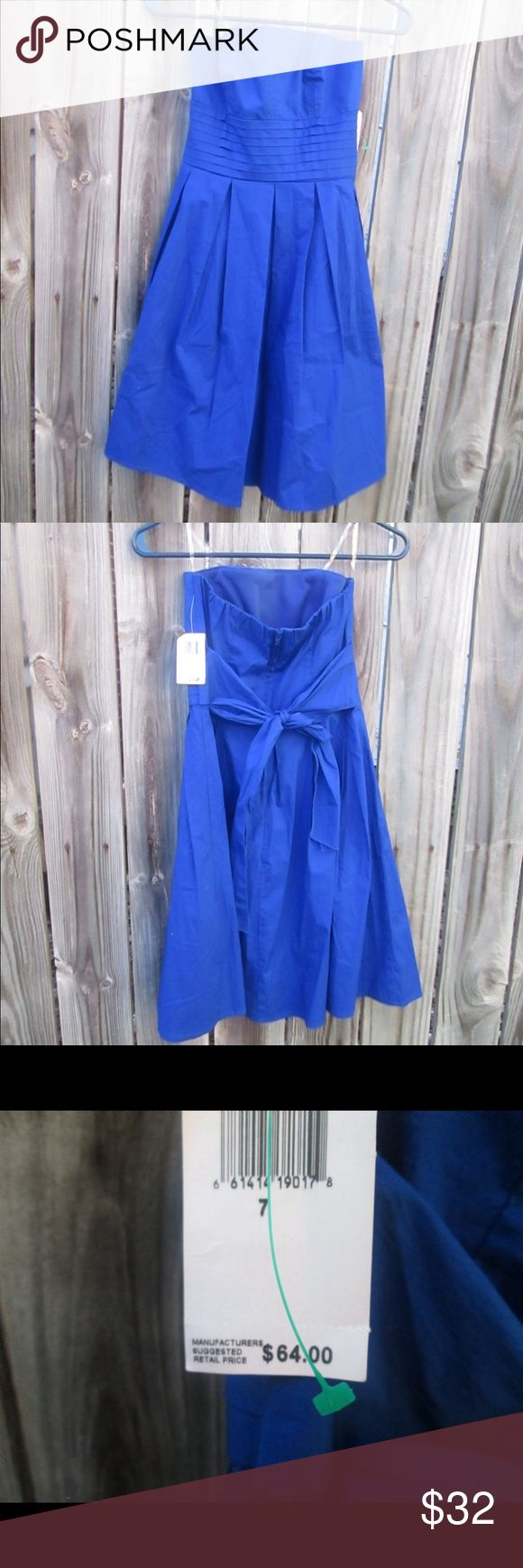 Royal Blue Short Bridesmaid Homecoming Dress A gorgeous Teeze Me royal blue Homecoming or bridesmaid dress. It is strapless and is new with tags. It is a size 7. Teeze Me Dresses Wedding