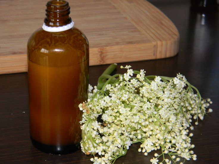 Natural Homemade Herbal Cleansing Lotion Tutorial I really love simple recipes for homemade cosmetics that you can prepare yourself. Especially the ones with ingredients from my kitchen that don't make me run to the store to buy something so that I can get a specific lotion. The below recipe enters this category and it is also very easy to make. You don't need fancy ingredients or some expensive equipment. Generally speaking, homemade cosmetics don't require exquisite stuff to get them do...
