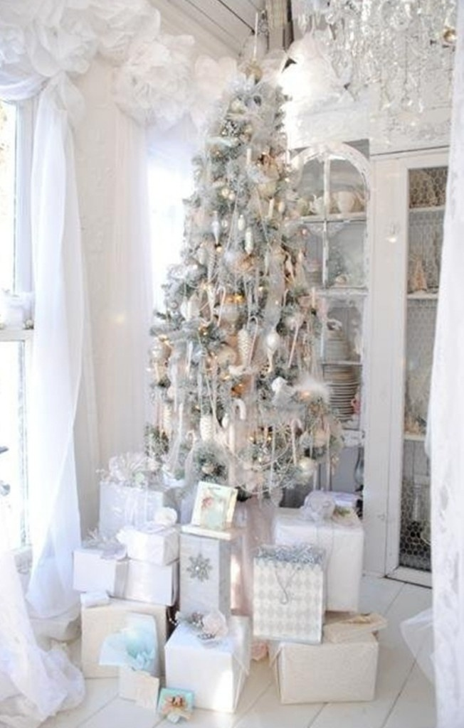 14 Exciting Silver And White Christmas Tree Decorations White