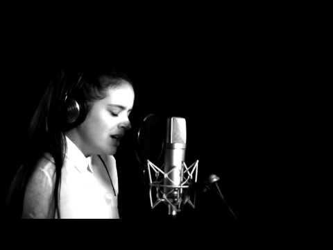 x Granaína — Rosalía > engarza en oro y marfin
